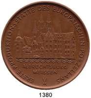 MEDAILLEN AUS PORZELLAN,Staatliche Porzellan-Manufaktur MEISSEN Meissen 1974 braun (63 mm).  Erste Produktionsstätte des Europischen Porzellans.