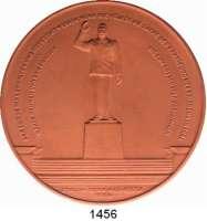 MEDAILLEN AUS PORZELLAN,Staatliche Porzellan-Manufaktur MEISSEN Riesa 1954 braun (125 mm).  Stalin - Denkmalsweihe.  Gipsform.  Weigelt 3392 (Schwerter negativ).
