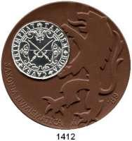 MEDAILLEN AUS PORZELLAN,Staatliche Porzellan-Manufaktur MEISSEN Meissen 1989 braun (64 mm).  BFA Numismatik Dresden.  Mit eingeklebter Zinnmedaille.