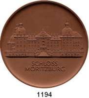MEDAILLEN AUS PORZELLAN,Staatliche Porzellan-Manufaktur MEISSEN Dresden 1969 braun und weiß (117/115 mm).  Schloß Moritzburg.  LOT 2 Stück.