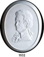 MEDAILLEN AUS PORZELLAN,Andere Hersteller Rosenthal Einseitige weiße Plakette, Randstab glasiert.  Wolfgang Amadeus Mozart.  CLASSIC ROSE COLLECTION.  Brustbild nach links.  245 x 195 mm.  Im Originaletui.