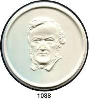 PORZELLAN  SPENDEN - MEDAILLEN,Andere Hersteller Porzellan-Manufaktur Rosenthal in Selb o.J.(1951) elfenbeinfarbig.  Richard Wagner - Bayreuther Festspiele 1876 - 1951.  135 mm.