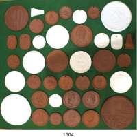 MEDAILLEN AUS PORZELLAN,Staatliche Porzellan-Manufaktur MEISSEN L O T S      L O T S      L O T S LOT von 39 verschiedenen DDR-Medaillen zwischen 1962 und 1969.  Meist nach Katalog Weigelt bestimmt.  37 bis 94 mm Ø